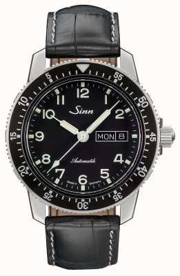 Sinn 104 Uhr ist eine klassische Fliegeruhr aus schwarzem Lederarmband 104.011 BLACK ALLIGATOR EFFECT WHITE STITCH