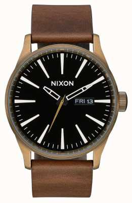 Nixon Wachleder | messing / schwarz / braun | braunes Lederband | schwarzes Zifferblatt A105-3053-00